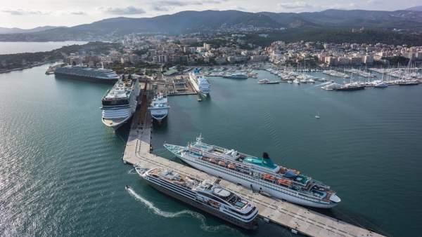 Cruceros en el puerto de Palma de Mallorca