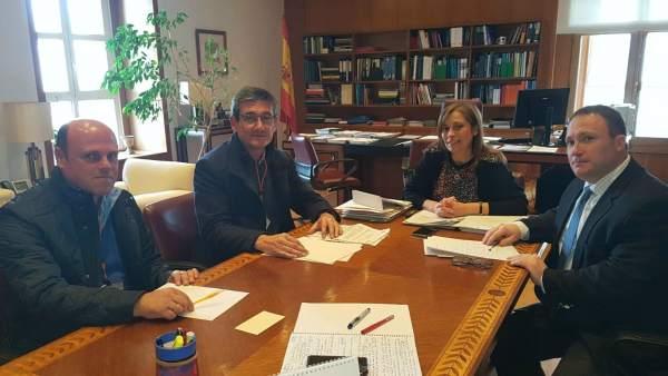 Reunión del alcalde de Adra con el Mapama