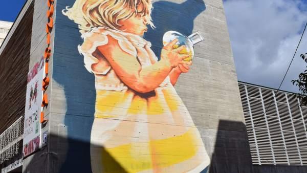 Mural por el día de la Mujer y la niña en la ciencia