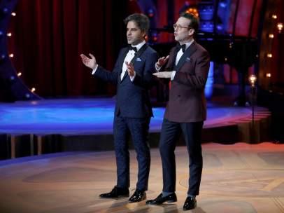 Ernesto Sevilla y Julián López presentando los Goya