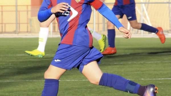 El jugador, en una imagen de la pasada temporada difundida por el club