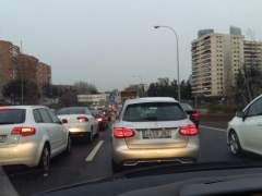 Atasco de coches en la M30 de Madrid
