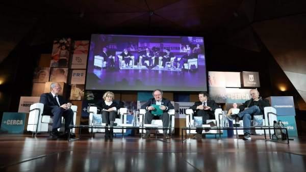 De la Torre, con otros alcaldes, en unas jornadas sobre descentralización