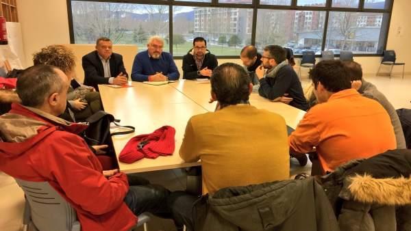 Reunión entre el procurador J. Ignacio Delgado y el Comité de Empresa de Gamesa