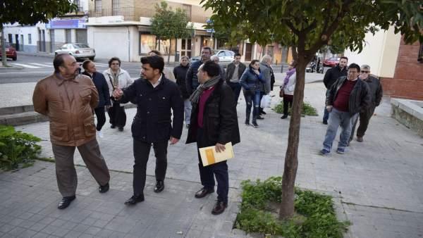 Beltrán Pérez visita el barrio Virgen de los Reyes