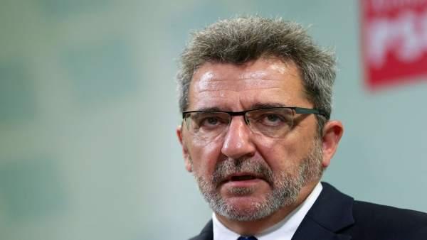 Gutiérrez Limones (PSOE) durante su dimisión como alcalde.
