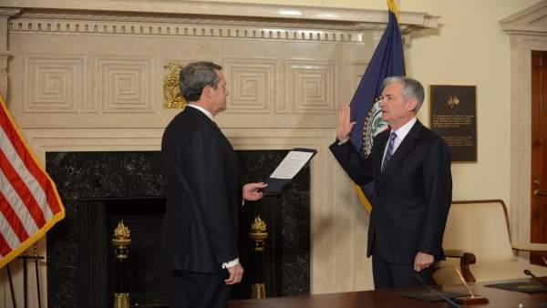 Jerome Powell jura el cargo como nuevo presidente de la Fed