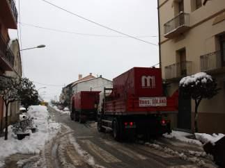 Camiones llevando grupos electrógenos a Coll de Nargó.