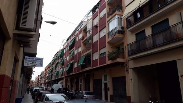Un xiquet de 14 anys, detingut després de matar el seu germà de 19 d'una punyalada a Alacant