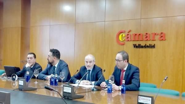 Víctor Caramanzana en rueda de prensa