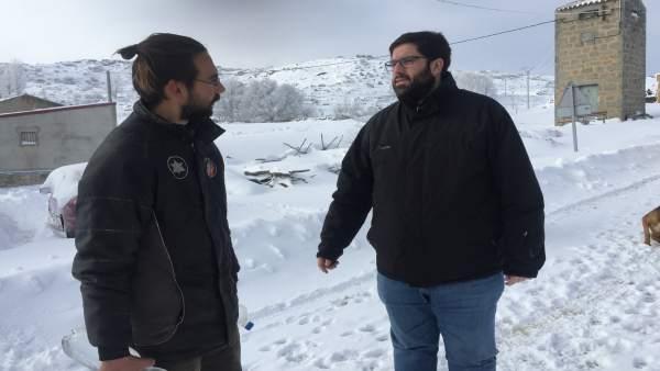 El presidente visita una de las zonas afectadas.