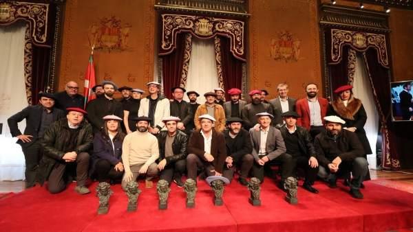 Recibimiento al equipo de la película 'Handia'