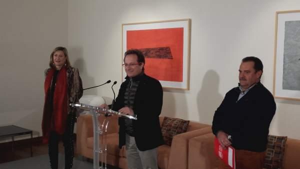 Pedro Hojas comparece junto a Pilar del Olmo
