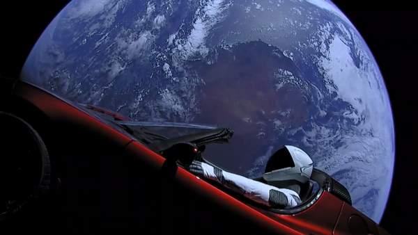 Un Tesla en el espacio