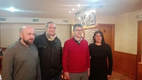 Reunión entre miembros de la plataforma de defensa de La Bastida y Podemos