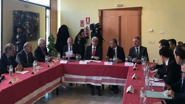 Reunión de la Junta con la Aiqbe.