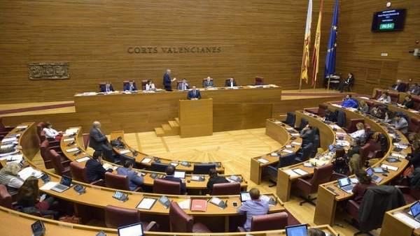 Pleno de Corts Valencianes en imagen de archivo