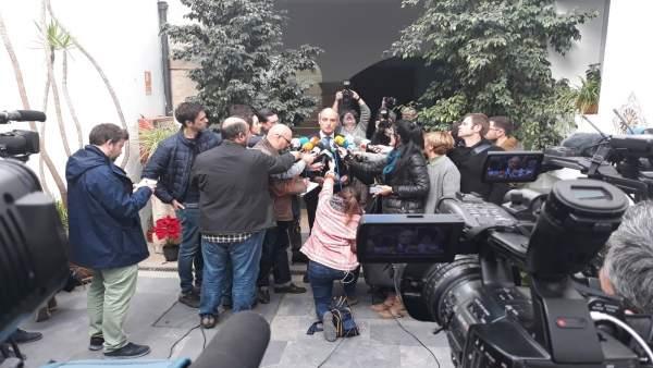 Camps atiende a los periodistas (foto de archivo)