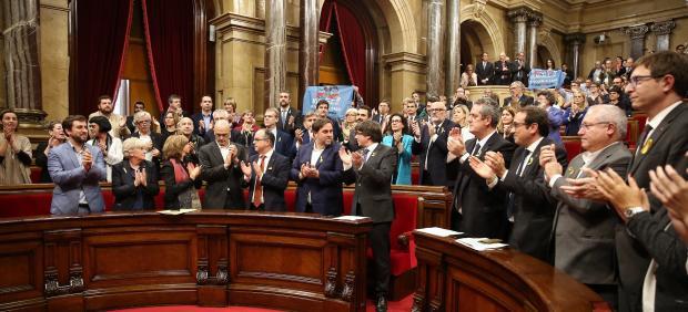 C.Puigdemont durante el pleno que ha declarado la independencia