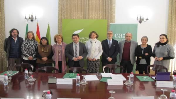 Reyes con los integrantes del Consejo Audiovisual de Andalucía.