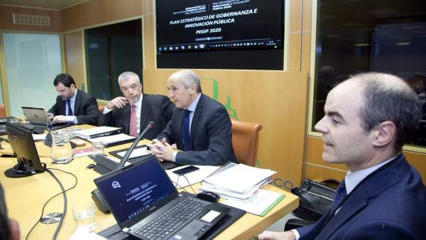 El portavoz del Gobierno Vasco y consejero de Gobernanza Pública y Autogobierno,