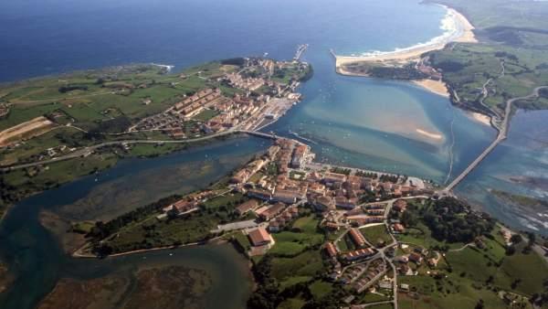 Vista aérea de San Vicente de la Barquera