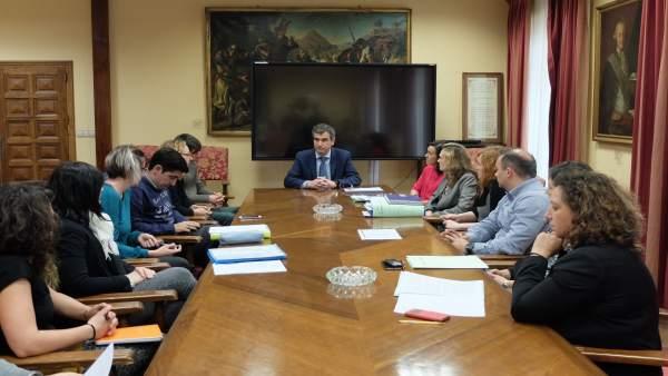 Nota. El Alcalde De Guadalajara Se Reúne En El Ayuntamiento Con Los Vecinos Desa