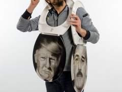 Inodoros con el retrato de Trump y Maduro