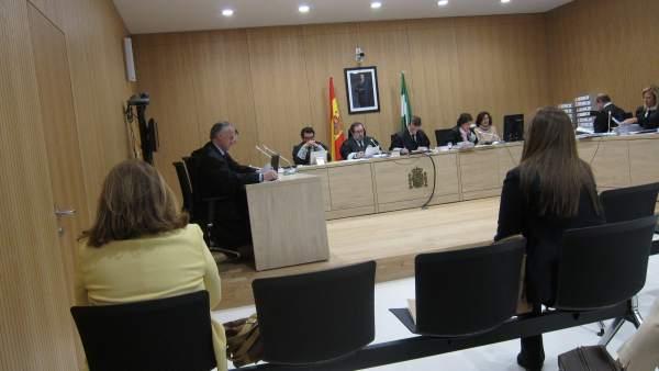 Juicio a la expresidenta y la exsecretaria de la UMEC