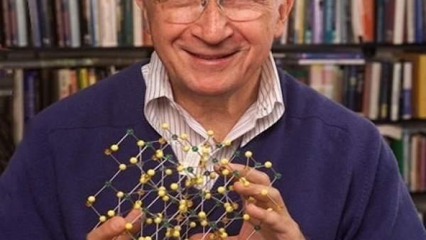 El Premio Nobel de Química Roald Hoffmann