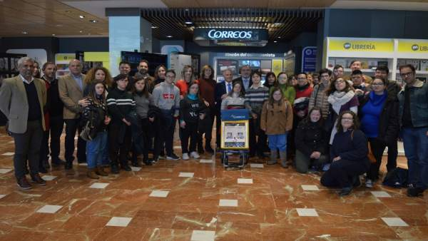 Inauguración de la exposición 'Xtumirada' en Correos en Murcia