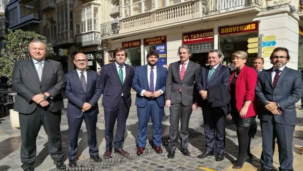 Imagen de la visita del ministro a Cartagena