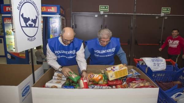 Voluntarios del Banco de Alimentos de Huelva.