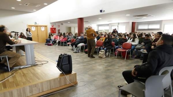 Reunión de escolares con presos de la cárcel de Albolote