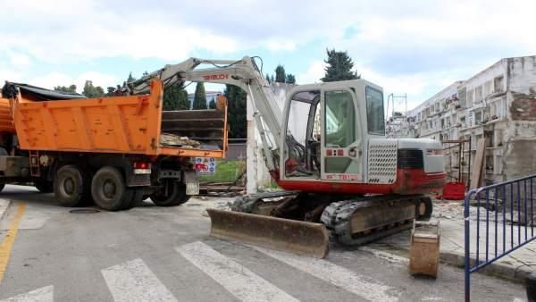 Obras máquinas excavadoras mejora