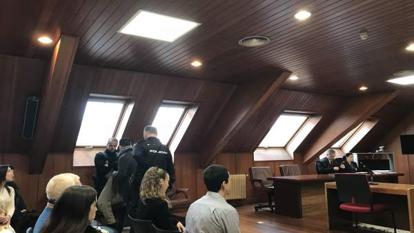 Þúltima Sesión Del Juicio Por La Muerte Del Tendero Chino