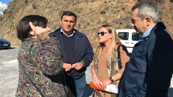 Carlos Hernández y Elena Aguilar, en la visita al colegio