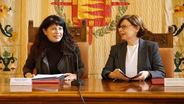Ana Redondo junto a María Bolaños