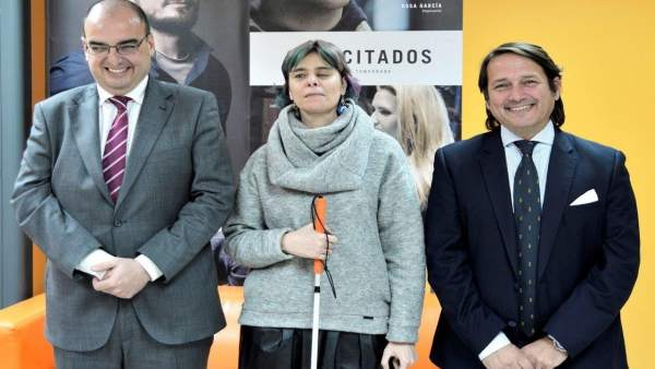 Virgina Carcedo, de ONCE, con Antonio Vila, de Fundación Universo Accesible