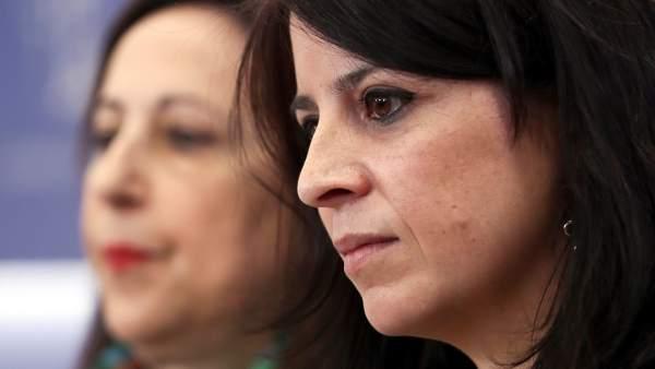 Margarita Robles, portavoz del PSOE en el Congreso, y Adriana Lastra, vicesecretaria general del partido.