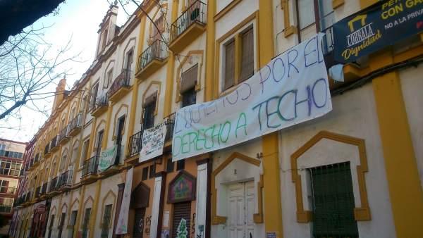 Viviendas ocupadas de la calle Fray Isidoro de Sevilla.