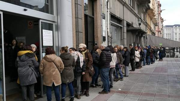 Colas en el Registro Civil en Galicia