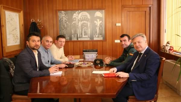 Juan José Primo Jurado y Juan Carretero con representantes de la AUGC