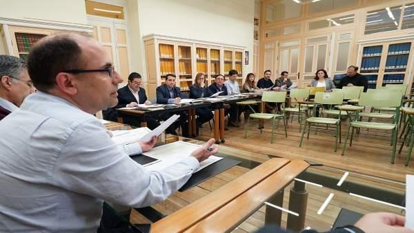 El concejal de Valladolid Luis Vélez, en la reunión sobre el taxi metropolitano