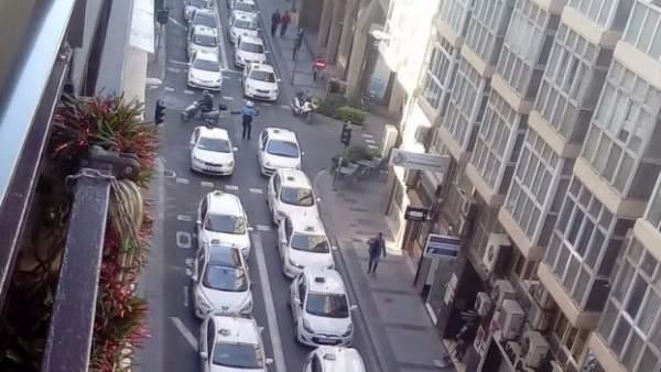 Taxis de Alicante en la manifestación contra el artículo 22