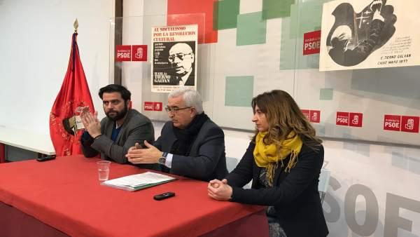 Jiménez Barrios con Fran González en el PSOE de Cádiz