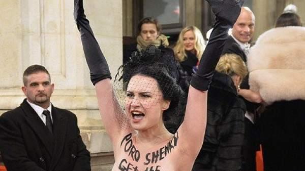 Protesta de Femen en Viena