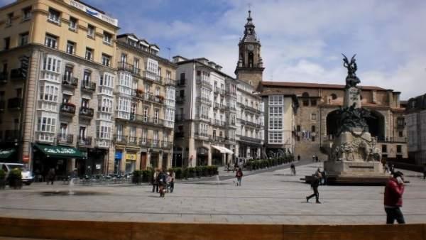El ayuntamiento inicia el programa para retirar placas for Pisos com vitoria