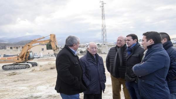 El presidente de Diputación, en la visita a obras de urbanización en Sector F.