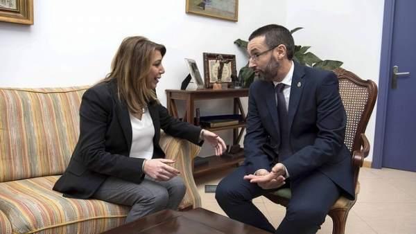 Susana Díaz y el alcalde de La Línea reunidos